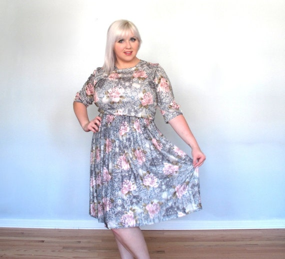 Winter Tea Party - Paisley-Roses -plus size -dress -silver- pink