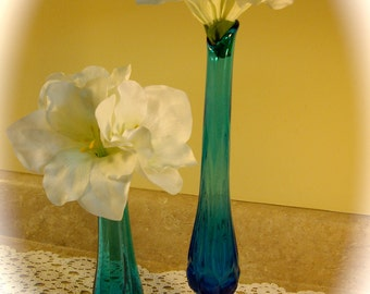 Vintage Vase Indiana Glass tall aqua retro hollywood regency  1960