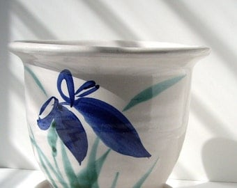 Vintage Iris Planter Handpainted  Lees' Pottery 1990