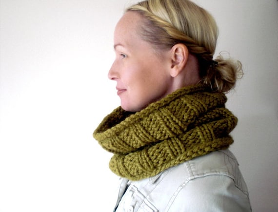 Knit green chartreuse cowl / autumn / spicy green / winter / urban rustic / hot olive / neck cozy / neck warmer / scarf / unisex