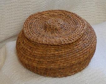 E155 Covered Siberian Iris Leaf Coiled Basket