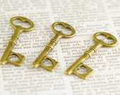 Aged Brass Keys with Hearts Charm or Pendant, 12x34mm (3)