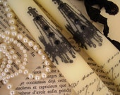 Pair of cream candles and tag - Chandelier with black rhinestones and french writing text  - ooh la la