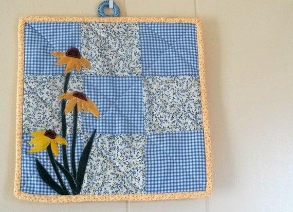 Summer Sky Blue Nine Patch With Black Eye Susan appplique Wall Hanging or Pot Holder