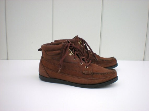 Vintage Brown Leather Hiking Boots--size 7