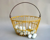 Vintage Wire Egg Basket, Primitive