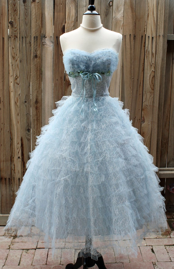 1950s Vintage Baby Blue Tulle Lace Sweetheart Gown Princess