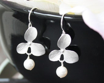Orchid With Round Pearl Earrings - wedding jewelry, bridesmaid gift, flower girl earrings, birthday gift, flower earrings