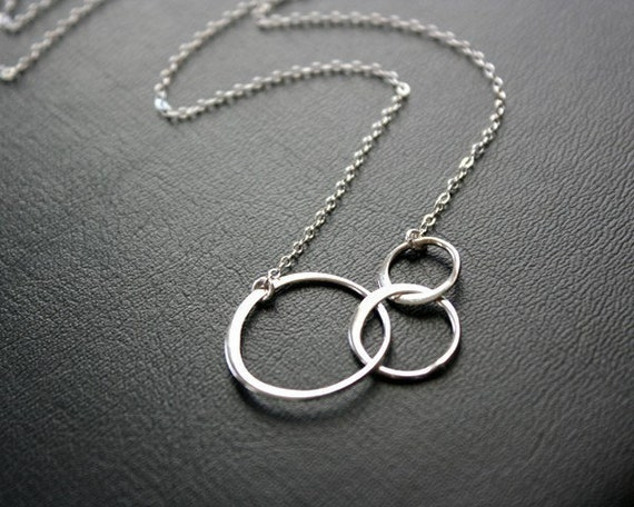Triple linked necklace - Three Ring in Sterling silver, Mothers day gift for mom, daughter sister wife