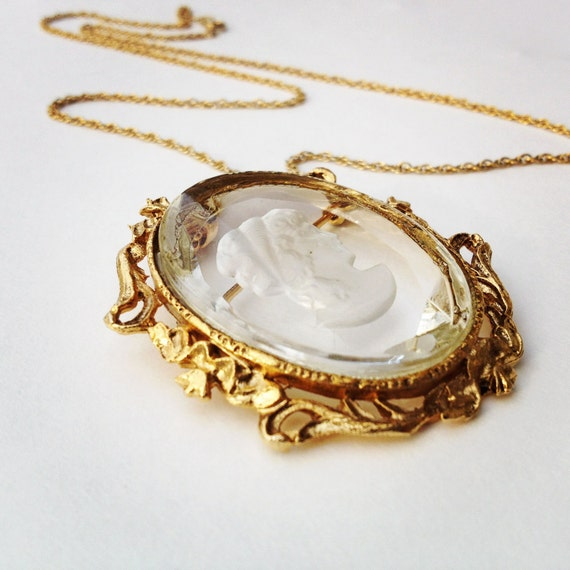 glass intaglio cameo necklace, 1970s  /  glass cameo brooch necklace