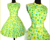 Vintage 1950s Dress Garden Party Floral Femme Fatale Mad Men Pinup Rockabilly Cupcake Bombshell Full Circle Size XS