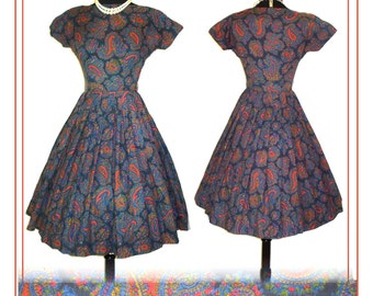 Vintage 1950s Dress  . Full Circle Skirt Femme Fatale Couture Garden Party Mad Man Prom Pinup Bombshell Rockabilly Ballerina Cupcake XS