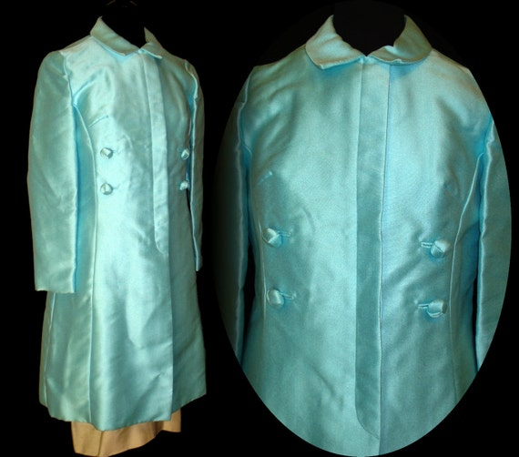 1950s Coat  .  Double Breasted  . Covered Buttons ,  Aqua .  Stunning  . Evening Coat . Glamour as it's finest