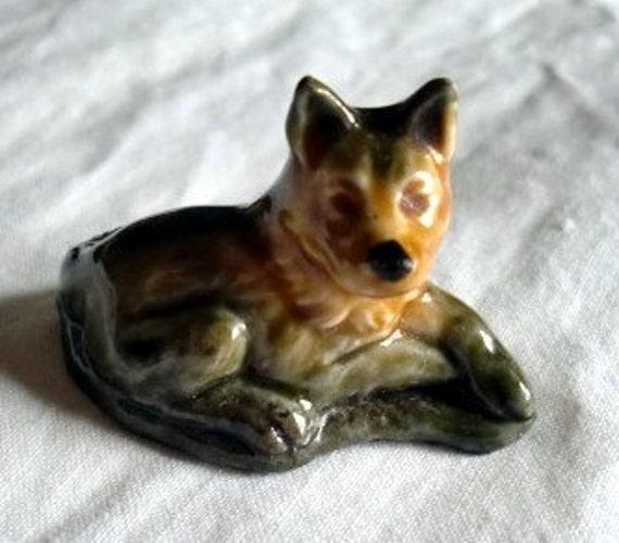 Alsatian Dog Wade Whimsie Figurine