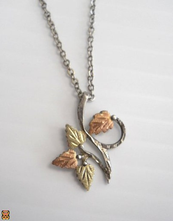 Black Hills Gold Necklace- 4 Leaf Pendant - FREE SHIPPING