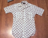SALE - vintage 1970's short sleeve western style shirt mother of pearl buttons