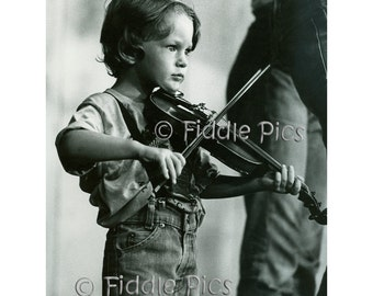 Country Music | Young Fiddler playing Violin | Bluegrass Music | Appalachian Music | 4 x 6 Photo Reprint