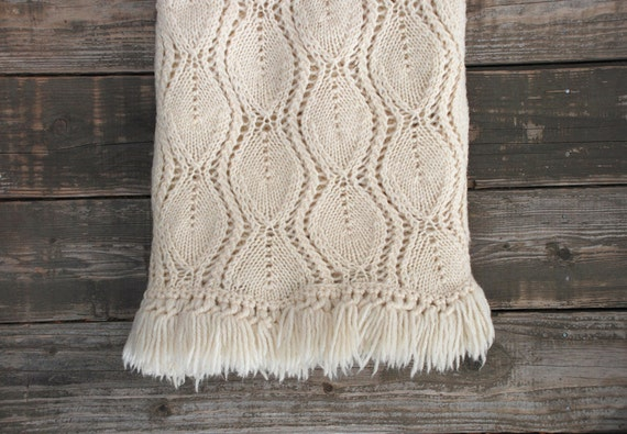 Vintage Hand Knit Ivory Throw / Blanket / Afghan