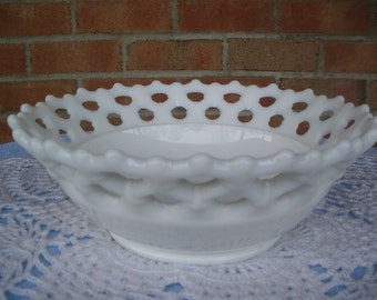 Vintage Westmoreland Milk Glass Lattice Bowl