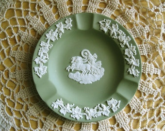 Wedgwood Green Jasperware Aurora And The Chariot Of Dawn Ash Tray Pin Dish free shipping - FL