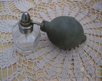Vintage Defender Medicine Nasal Atomizer - FL