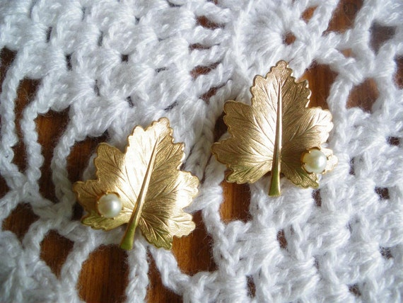 Vintage Sarah Coventry Leaf and Pearl Earrings Whispering Leaf