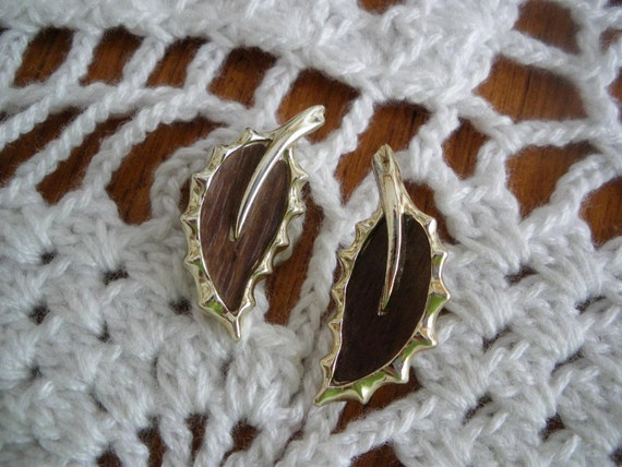 Sarah Coventry Brown Leaf Earrings Wooded Beauty
