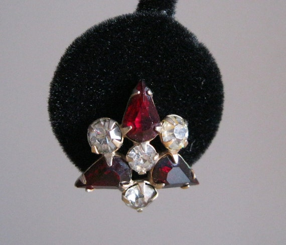 Scitanelli Red Earrings Clear Rhinestone Triangle Shape Goldtone M&S Vintage
