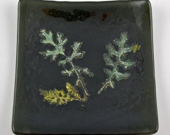 Leaf Design Fused Glass Plate