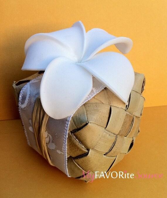 Items similar to Hawaiian Wedding Favor BoxLauhala & Plumeria on ...