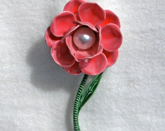 Vintage enamel flower pin 1960s