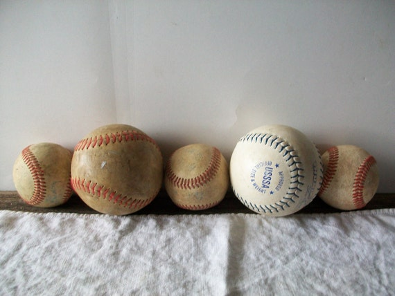 collection of 5 decorative base/soft balls - great guy-room decoratives - no. 6