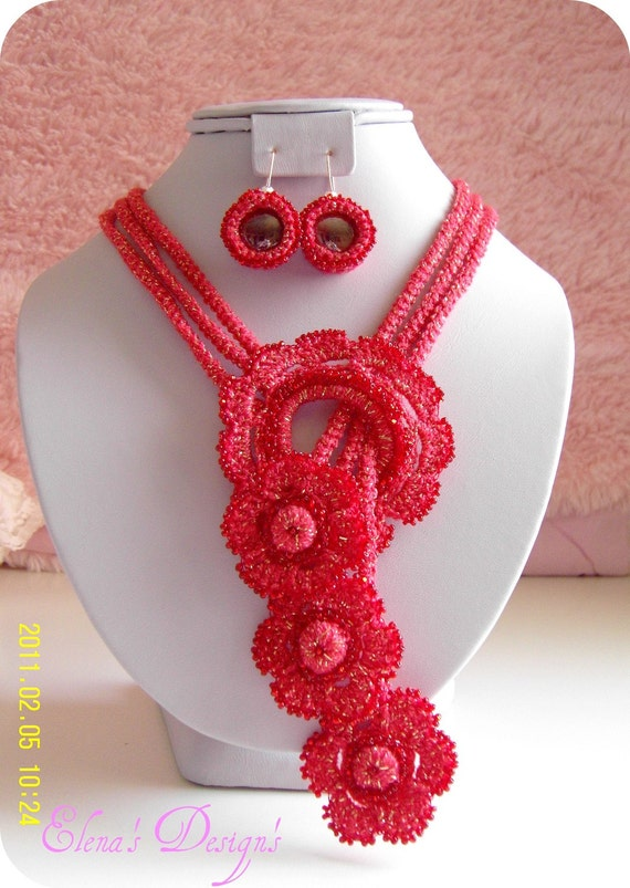 SALE Necklace Earrings Crochet  Flowers Coral Gold Set Holidays Collection