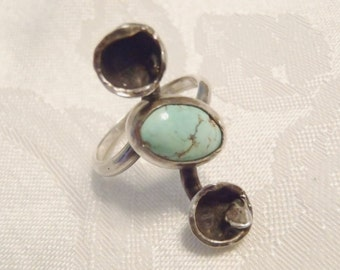 Vintage Mojave Desert California Turquoise and Sterling Silver Ring Very Unique Handcrafted 1970s Size 7 1/4 to Size 7 1/2
