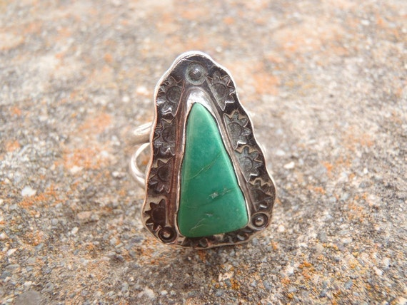 1970s Vintage Handcrafted Mojave Desert California Turquoise  and Sterling Silver Stamped Sunrise Ring Size 7 1/2