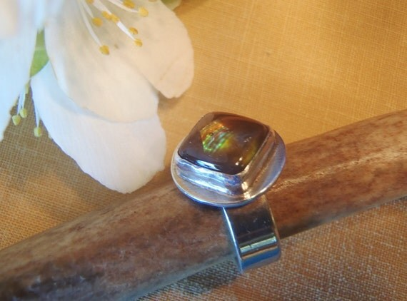 Vintage Handcrafted Sterling Silver and Mexican Fire Agate Ring Subtle Rainbow Glow 1970s Size 6-1/2 to 6-3/4