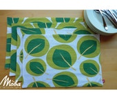PLACE MATS x 6  Modern Green Leaf Graphic Pattern Table Setting