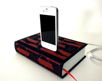 Ships next day - SALE - Tale of Two Cities booksi Charging Dock for iPhone