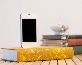 Pride & Prejudice booksi Dock for iPhone - Cloth