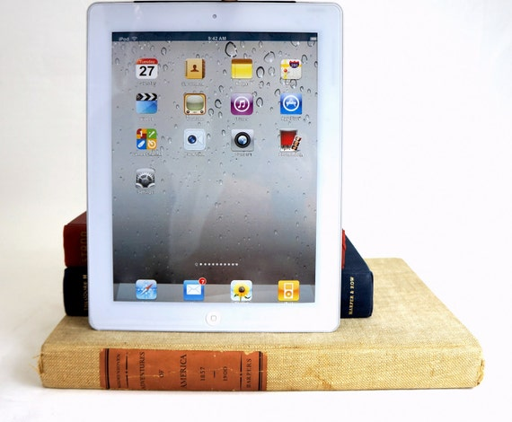 For Penny 2 day service.READY TO SHIP - Vintage booksi for iPad - Red, Almost White, and Blue