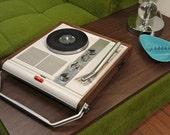 RARE: vintage portable record player / am radio