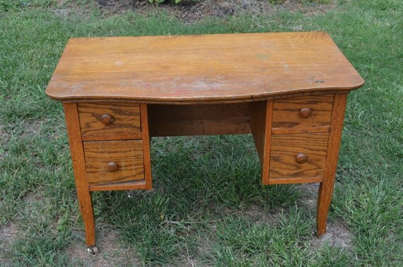 Oak Child's Desk