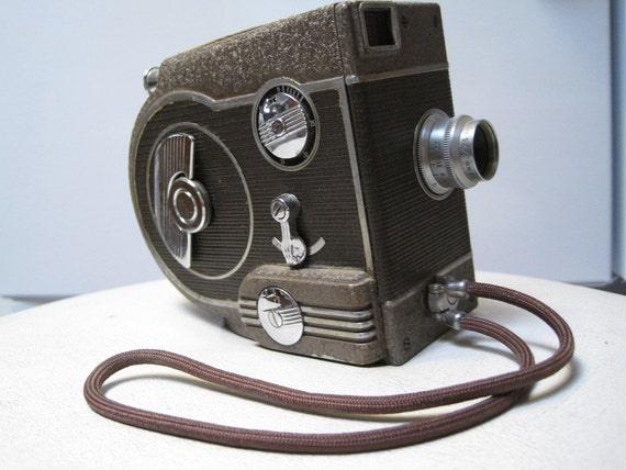 Revere 8 mm model 77 movie camera 1947