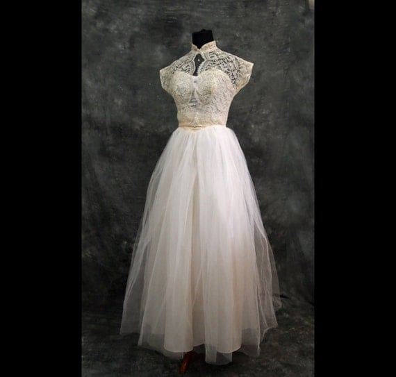 Vintage Wedding Dress Xs : Ivory lace vintage wedding dress xs s