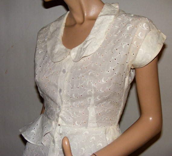 WWII Era Vintage 1940s White Eyelet Lace Swing Wedding Button Up Pinup Dress XS-S