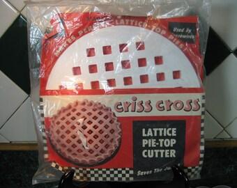 Vintage Lattice Pie-Top Cutter - Criss Cross Lattice Pie Top Cutter - Lattice Pie-Top Cutter - Clough Products - Pie Top Cutter - Bakeware