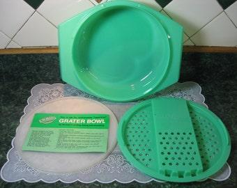 Tupperware Grater Bowl - Vintage Tupperware - Green Tupperware - Tupperware - Plastic Tupperware Grater Bowl - Grater Bowl