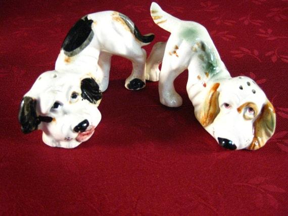 RESERVED for KATHY Vintage Salt & Pepper Shakers: Coon Hound Dog