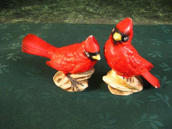 Vintage Salt & Pepper Shakers: Cardinal