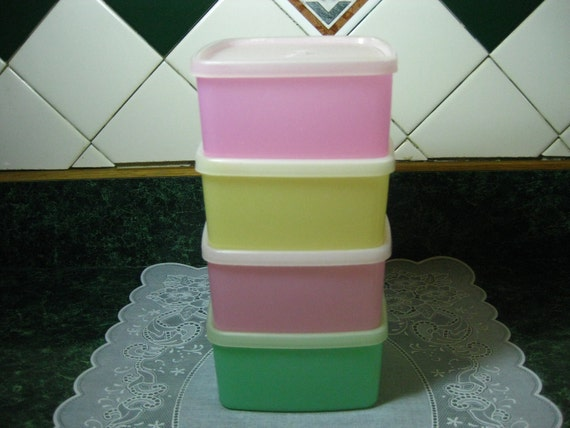 Vintage Tupperware: Four Square Rounds Containers with Lids